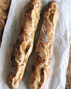 """Catarina König on Instagram: """"Det där med att vakna till nybakat bröd, i detta fall rykande heta baguetter 🥖🥖 Happy Monday 🤍 Receptet är det samma som nattjästa…"""""""