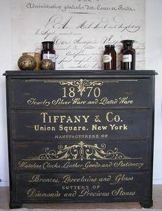 Antik svart sekretär med handmålad guldtext - antique bureau with handpainted text.