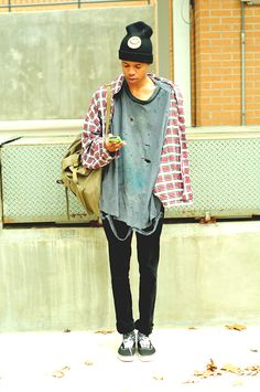 everything but the super long t shirt grunge style