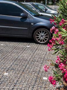 RÉALISATION : Un parking ECOMINERAL pour le Centre de Tri Postal d'AVIGNON.  Pour en savoir plus : http://www.ecovegetal.com/fr/actualites #avignon #parking #ecovegetal #mineral