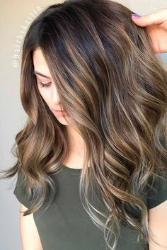 These Beautiful Brown Hair Color With Highlights You'll Want To Try Brunette Hair Color, Brown Ombre Hair, Ombre Hair Color, Light Brown Hair, Hair Color Balayage, Brown Hair Colors, Brunette Color, Brunette Ombre, Long Brunette, Hair Colours