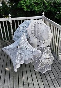 Parasols made from doilies? I'll do some research, and if I find anything, I'll add it here. Fancy Umbrella, Vintage Umbrella, Cute Umbrellas, Umbrellas Parasols, Vintage Crochet, Vintage Lace, Umbrella Decorations, Lace Parasol, Estilo Shabby Chic