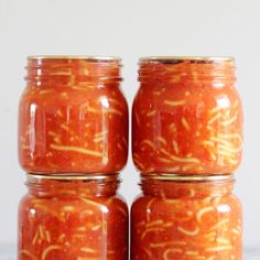 If you love canned spaghetti you need to know how to make it at home Here is our family recipe with step by step photos and instructions With only 5 simple ingredients t. Homemade Spaghetti, Spaghetti Recipes, Pasta And Mince Recipes, Quick Weeknight Meals, Easy Smoothies, Pina Colada, Frozen Banana, Pavlova, Healthy Drinks