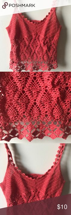SUPER CUTE CROCHET KNIT CROP CAMI In great condition no rips holes snags stains or tears Tops Crop Tops