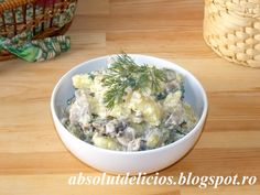 Creamy, flavorful and very easy to make with a handful of ingredients, this potato and mushroom salad with yogurt dressing is s recipe that you really have to try. The yogurt dressing I used for th… How To Cook Mushrooms, Roasted Mushrooms, Stuffed Mushrooms, Large Salad Bowl, Salad Bowls, Main Dishes, Side Dishes, How To Make Potatoes, Mushroom Salad