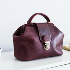 Classic bag; Dr Ayu by De•vi