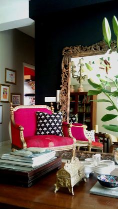 drama drama drama......the dark walls and bold mirror just speak drama to me-so in love with this look