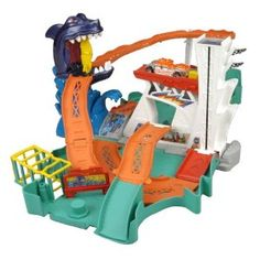 HOT WHEELS® SHARKBITE BAYTM Play Set: Take a ride on the wild island coaster but beware of the chomping shark because this shark likes his meals on wheels! This portable play set folds out and featur. Best Christmas Toys, Kids Christmas, Razor Dune Buggy, Latest Kids Toys, Festival Of Fantasy Parade, Ultimate Garage, All Toys, Kids Store, Boy Birthday