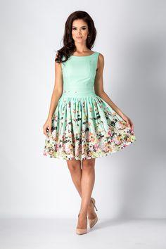 Rochie Elisa Mint - Rochie tip baby-doll cu imprimeu floral, este ideala pentru evenimentele deosebite din viata ta. Croiul lejer se potriveste perfect siluetei iar acest lucru cu siguranta te va face sa radiezi. Modelul deosebit va face din aparitia ta, una cel putin spectaculoasa! material neelastic fermoar asc Sexy Skirt, Dress Skirt, Midi Skirt, Satin Skirt, Skirts, Model, Vintage, Dresses, Style
