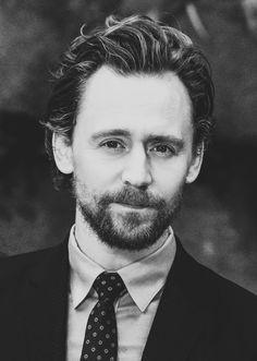 Tom Hiddleston. #InfinityWar promo. Via Twitter.