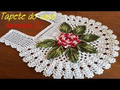 For carpet application By Vanessa Marcondes. Crochet Bikini Pattern, Crochet Doily Patterns, Crochet Quilt, Crochet Designs, Crochet Doilies, Crochet Flowers, Crochet Baby, Doily Dream Catchers, Irish Lace