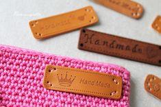 Prinsessajuttu: Toivepostaus: Virkattu kosmetiikkapussi, OHJE Princess Stories, Cosmetic Bag, Zip Around Wallet, Card Holder, Cosmetics, Handmade, Crochet Purses, Crochet Bags, Purses
