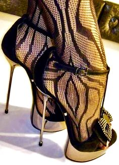 black high heels different Sexy High Heels, Sexy Legs And Heels, Beautiful High Heels, Hot Heels, Platform High Heels, High Heels Stilettos, High Heel Boots, Stiletto Heels, Super High Heels