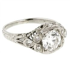 vintage wedding ring - very reminiscent of my Grandmother's engagement ring :)