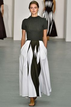 See all the Collection photos from Jasper Conran Spring/Summer 2017 Ready-To-Wear now on British Vogue I Love Fashion, Fashion 2017, Fashion Looks, Fashion Trends, Fashion Check, Jasper Conran, Podium, Vogue, Style Outfits