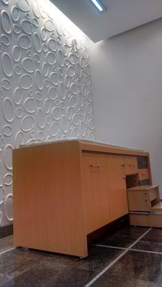Revestimento Goede - Sala de Atendimento - Ortopedia - Maca de Procedimentos - Iluminação Indireta. Clínica Ortopédica - Francisco Beltrão - Paraná - Brasil.