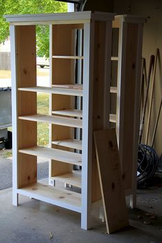 Bookshelves moderne chemie: diy bücherregale mit bert No Competition For Siding Article Body: There Diy Wood Projects, Furniture Projects, Home Projects, Diy Furniture, Building Furniture, Wood Crafts, Diy Bookshelf Plans, Ladder Shelf Diy, Building Bookshelves