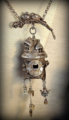 Tree trunk Fairy House by EAdornments on Etsy Charm Jewelry, Jewelry Art, Beaded Jewelry, Silver Jewelry, Jewelry Design, Jewelry Ideas, Do It Yourself Jewelry, Precious Metal Clay, Necklaces