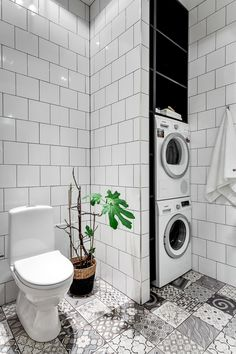 19 Most Beautiful Vintage Laundry Room Decor Ideas (eye-catching looks) Laundry Bathroom Combo, Laundry Room Wall Decor, Laundry Room Signs, Small Bathroom, Bad Inspiration, Bathroom Inspiration, Small Utility Room, Vintage Laundry, Toilet Storage