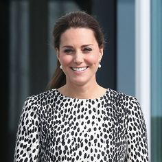Pin for Later: The Duchess of Cambridge Shows Off Her Baby Bump During a Solo Gallery Outing