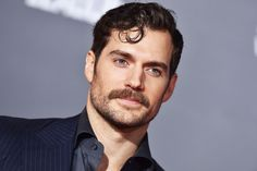 The Man of Steel is coming to Netflix! After leading films like Justice League and this Summer's critically acclaimed Mission Impossible: Fallout, Henry Cavill Gal Gadot, Amber Heard, Henry Cavill Justice League, Superman Actors, Haircut For Square Face, Paris Match, Enola Holmes, Body Training, High Jump