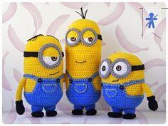 © AmigurumisFanClub        Minions, minions, ...all around!!!  Por fin tenemos a nuestro trío completo, el patrón de Kevin esta a vue...