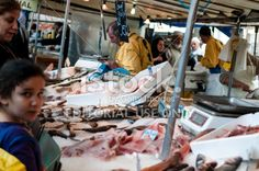 Busy fish market in Paris Royalty Free Stock Photo