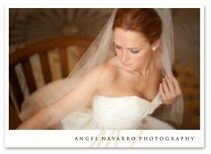 bridal pose with veil Bridal Portrait Poses, Bridal Poses, Bridal Shoot, Wedding Poses, Wedding Dresses, Wedding Ideas, Photography Workshops, Photography Ideas, Holiday Photos