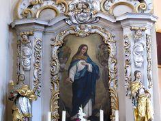 """Alsace, Bas-Rhin, Wittersheim, Eglise Saint-Ulrich, Autel secondaire """"Vierge Marie"""" avec statues baroques de Ste Barbe et Ste Catherine (1766), Tableau de Louis et Carola Sorg (1860)"""