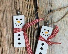 Christmas Crafts For Kids To Make, Handmade Christmas, Diy For Kids, Christmas Diy, Christmas Ornaments, Snowman Ornaments, Simple Christmas, Christmas Trees, Christmas Outfits