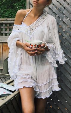 Boho white shirt. For more followwww.pinterest.com/ninayayand stay positively #inspired