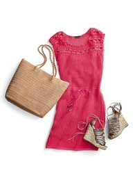 perfect beach vacation outfit