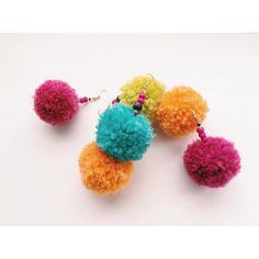 耳元からおしゃれに秋を先取り♪ふわふわモコモコの「毛糸ピアス」の作り方 | CRASIA(クラシア)