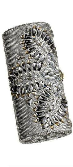 JUDITH LEIBER | KeepSmiling | BeStayClassy http://eveningbags.aliexpress-myselfjewellery.com