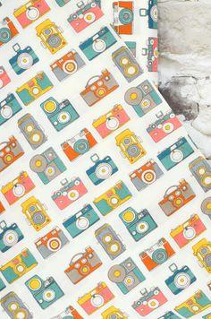 #Estampado de cámaras de fotos sobre 100% #algodónorgánico, para confección de #ropadeniños o complementos. Diseño de #BirchFabrics