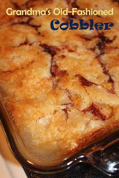 Strawberry Cobbler, Fruit Cobbler, Cobbler Recipe, Pear Cobbler, Blackberry Cobbler, Crisp Recipe, Apple Cake Recipes, Baking Recipes, Yummy Recipes