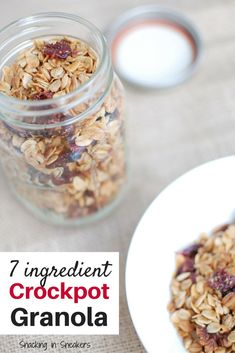 Want homemade granola that tastes delicious and is easy to make? Try this 7 ingredient crockpot granola recipe! So simple to make in the slow cooker and perfect for breakfast. Fast Healthy Meals, Nutritious Snacks, Healthy Slow Cooker, Healthy Breakfast Recipes, Clean Eating Recipes, Healthy Recipes, Healthy Chicken, Breakfast Ideas, Healthy Eats