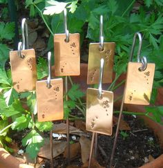 Nice Garden Markers / Plant Stakes   Copper   Busy Bee Motif   Set Of Six    CUSTOM Hand Stamped