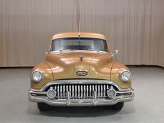 1952 Buick Roadmaster Station Wagon Front View