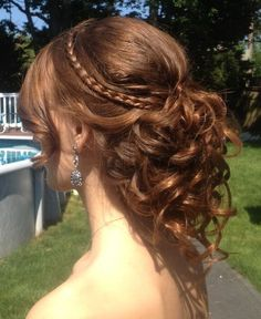 Awesome Brown Hairstyle for Homecoming and Prom