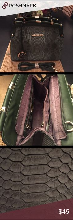 Very cute snake  🐍 skin look bag 💼 Very cute snake  🐍 skin look bag 💼 Bags Shoulder Bags