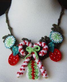 Yum! 10 Inspiring Crochet Candy Photos: Candy Cane #Crochet Christmas Necklace