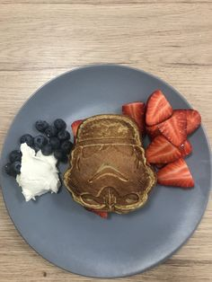 Two pancakes 2 eggs 1 banana 2 spoon mixed almond 1 spoon psyllium :) Healthy Foods To Eat, I Foods, Healthy Eating, 2 Eggs, Recipe Of The Day, Starwars, Spoon, Breakfast Recipes, Pancakes