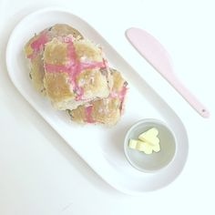 EASY HOT CROSS BUNS with pink crosses      BLOG - ffrenchee.com IG - @ffrenchee FB - Ffrenchee