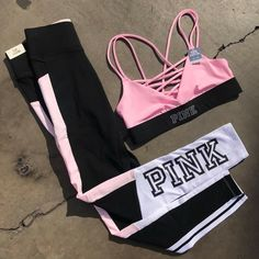 mil curtidas, 380 comentários - Victoria's Secret PINK (VSPINK) no In . Sporty Outfits, Pink Outfits, Athletic Outfits, Cute Outfits, Vs Pink Outfit, Stylish Outfits, Pink Fashion, Teen Fashion, Fashion Outfits