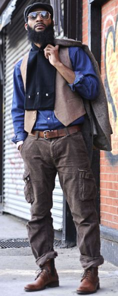 Urban style that's Dapper. Best Cargo Pants, Cargo Pants Outfit, Sharp Dressed Man, Well Dressed Men, Stylish Men, Men Casual, Men's Fashion, Fashion Guide, Fashion Vintage