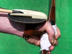 Archery: Shooting with a turkish Siper / www.bogen-daumenring.de - YouTube