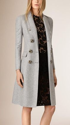 A tailored double-breasted grey coat in cashmere. The design is unlined and tapered at the waist for a close fit - BurberryClassic dove grey with unique buttonsCan't get enough of double breasted classic looksThings Sanjana would wearfall coats for Fashion Mode, Look Fashion, Winter Fashion, Fashion Outfits, Womens Fashion, Fashion Trends, Fashion Clothes, Fashion Fashion, Coats For Women