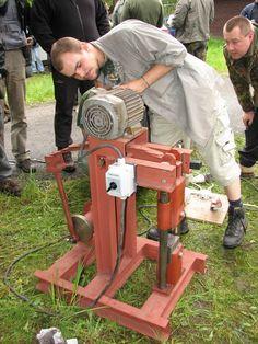 http://gonza-rytec.rajce.idnes.cz/DIY_power_hammers/