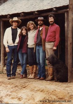 Cast from five mile creek: Jay Kerr  as (Con Madigan) ; Liz Burch as (Kate Wallace) ; Louise Clark as (Maggie Scott) ; Rod Mullinar as (Jack Taylor) ;Michael Caton as (Paddy Malone)